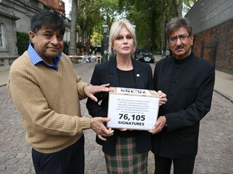 Joanna Lumley with Nitin Mehta and Anil Bhanot